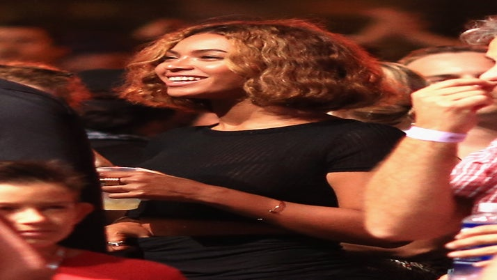 Beyoncé Reveals New Haircut at Made In America