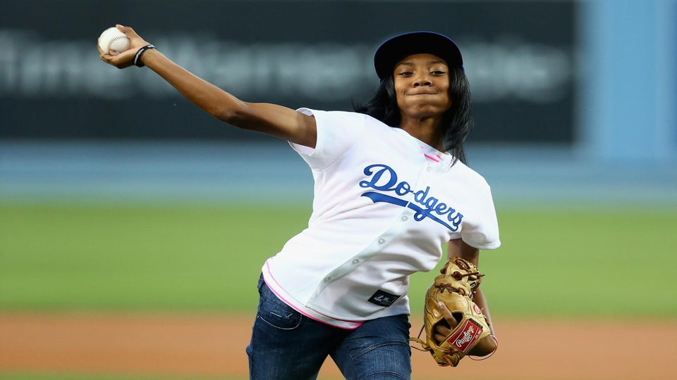 Must-See: Mo'ne Davis Throws First Pitch at L.A. Dodgers Game