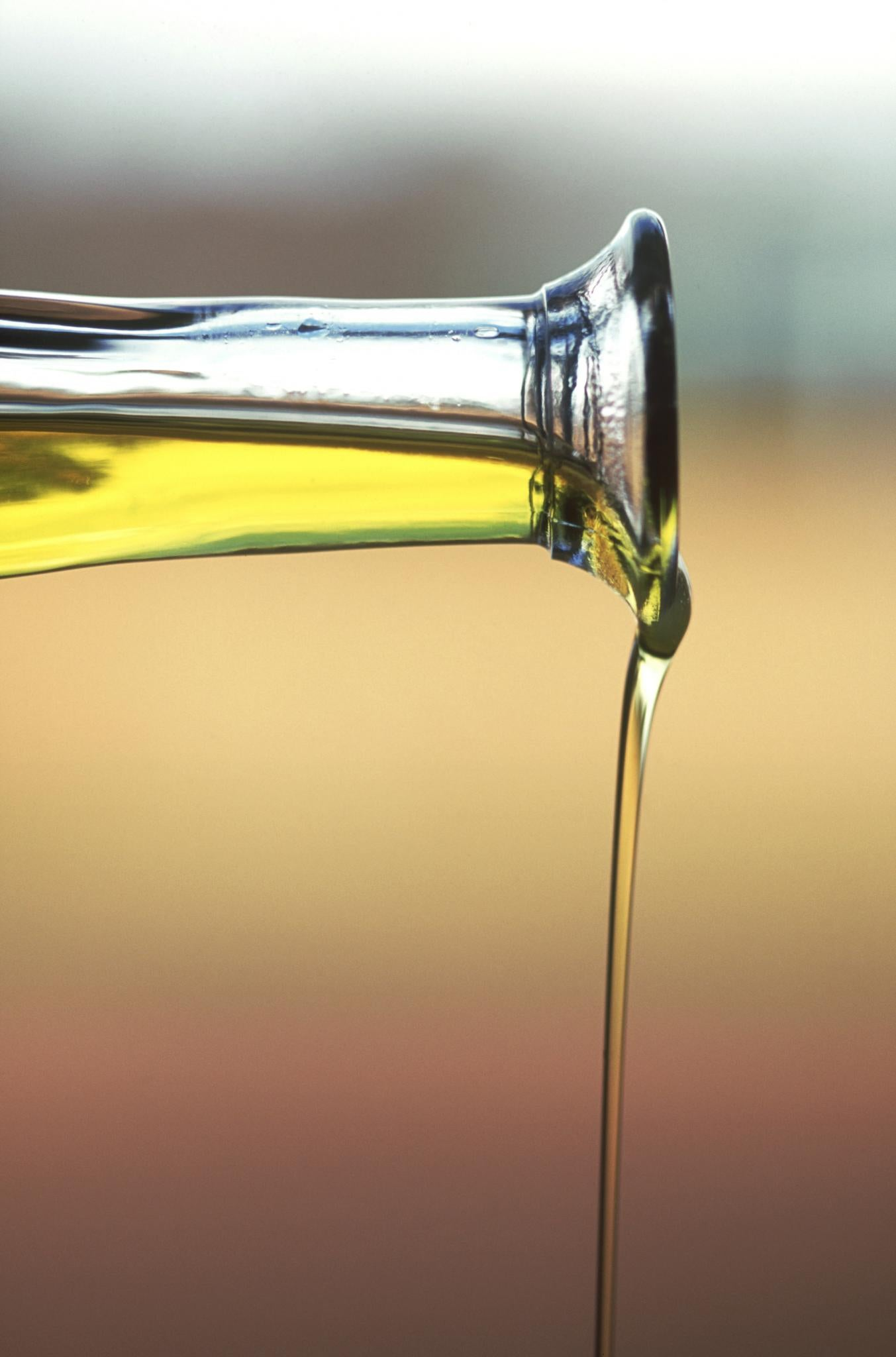Oil Rinsing 101 For Transitioning Hair