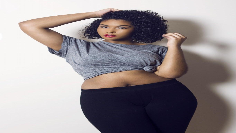 Curvy Model of The Month: Ariel Brownridge