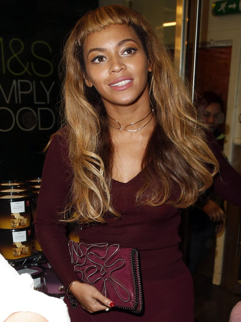Beyoncé Debuts Short Bangs