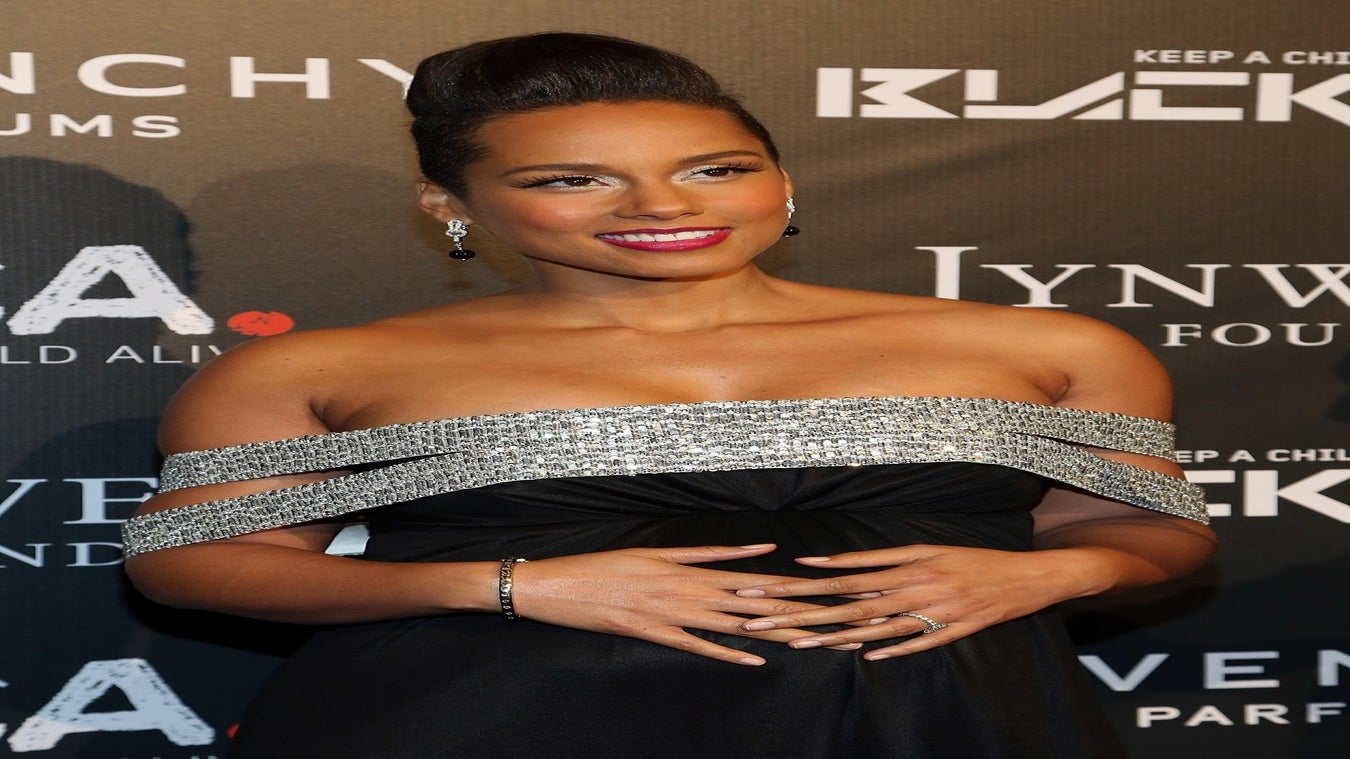 Alicia Keys Worries About Ebola Coverage 'Pumping Fear' Into Us