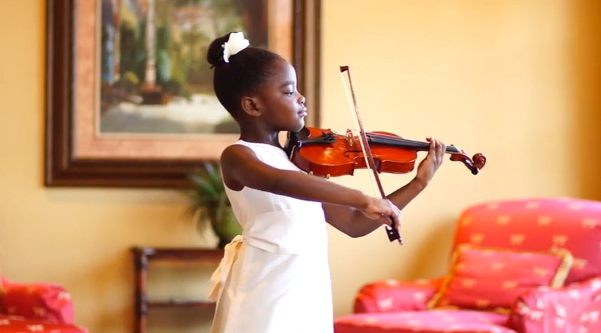 Must-See: 7-Year-Old Girl Wants to Bring Peace to Ferguson with Her Violin