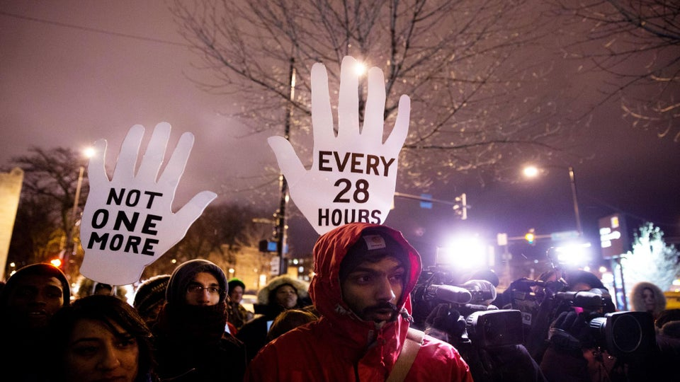 Black Friday Protests Begin in Ferguson