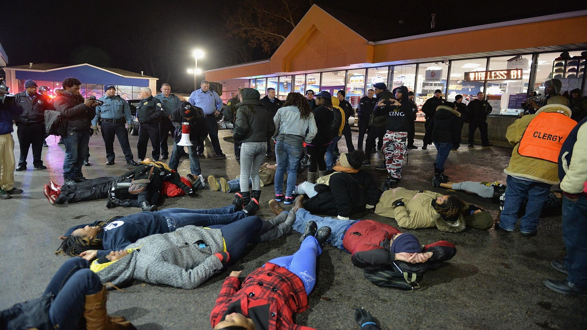 Protesters Gather on Christmas Eve in Honor of Antonio Martin