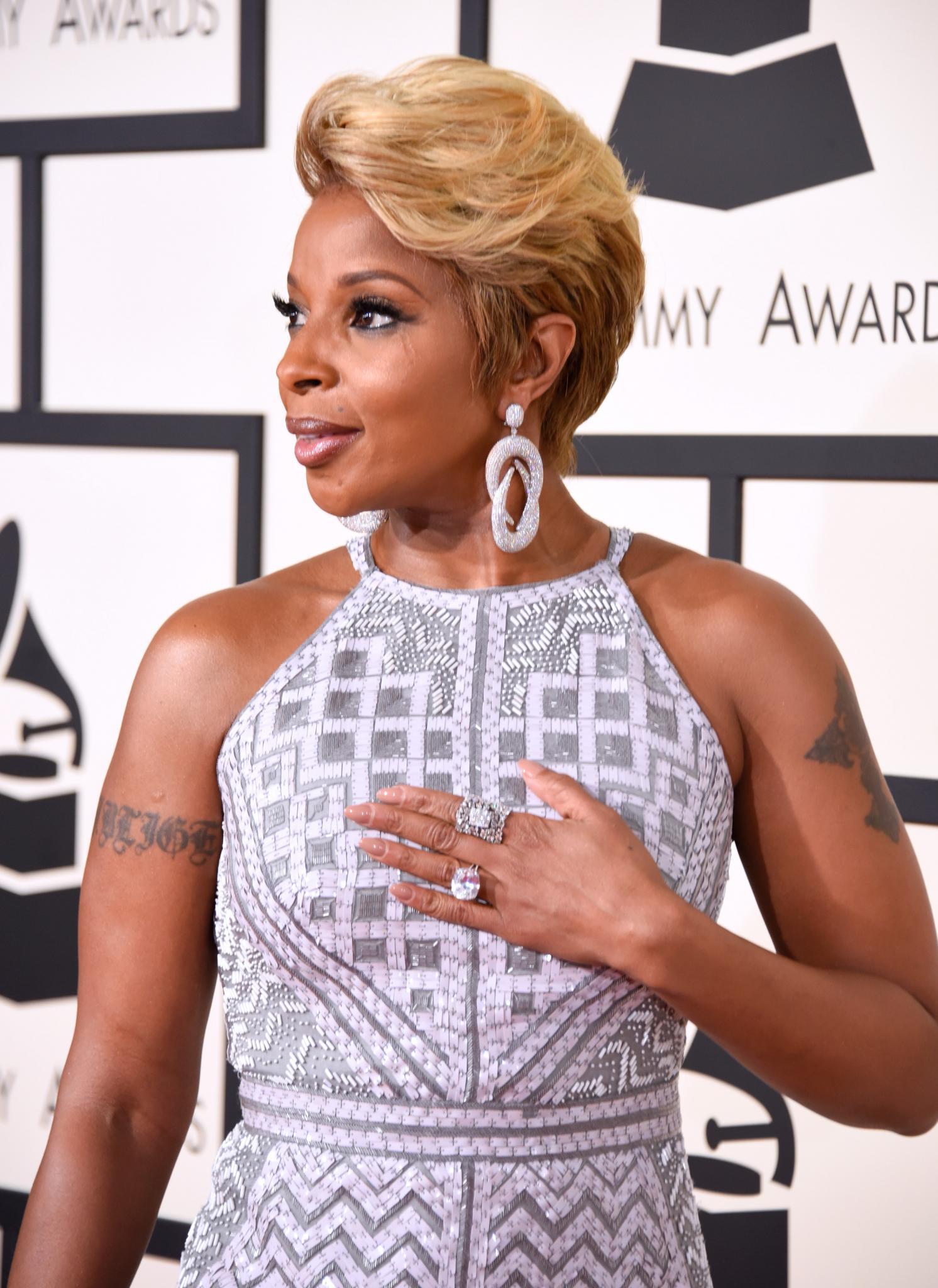 Get Mary J Blige S Grammys Pompadour Essence