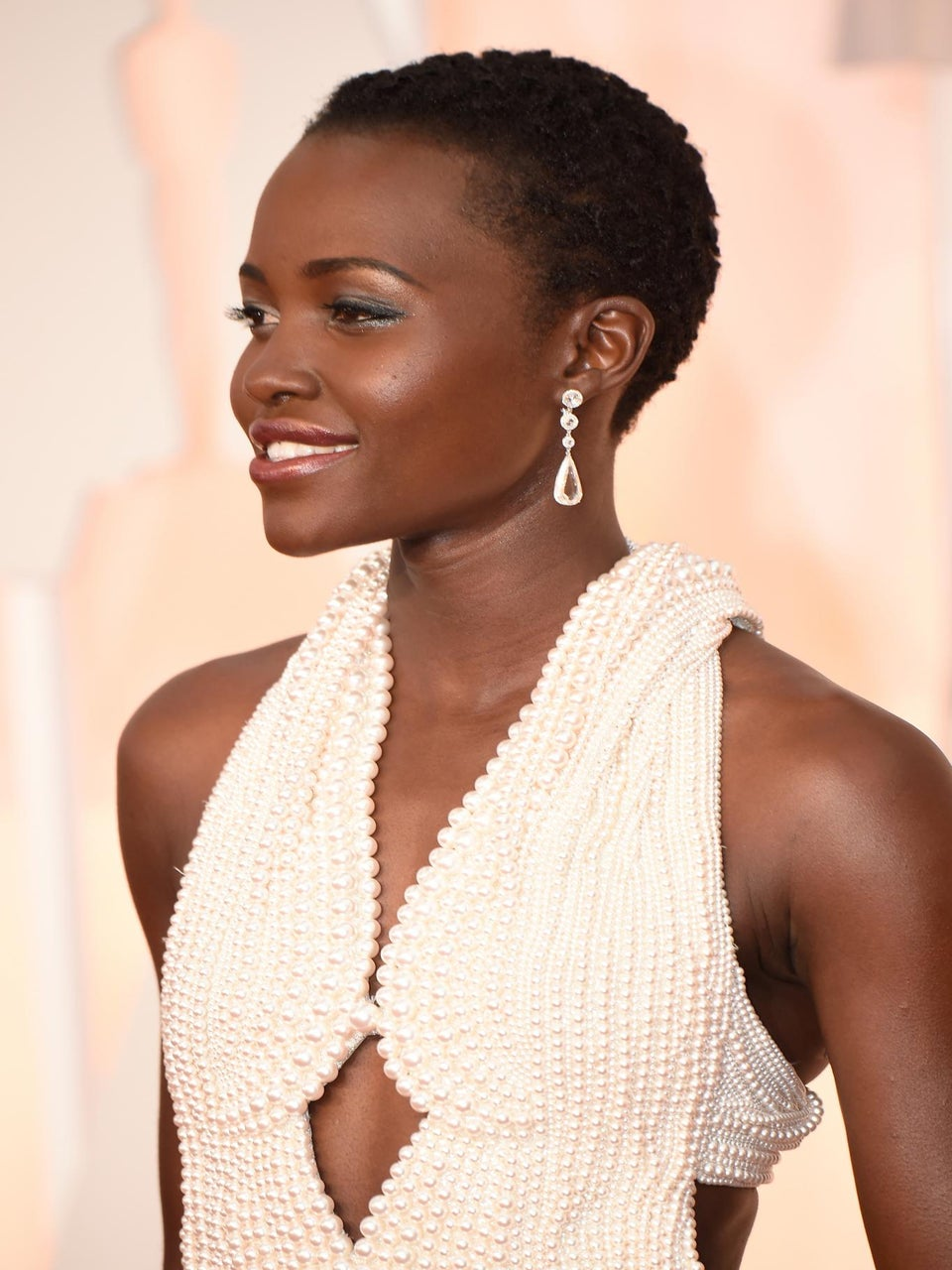 Get Lupita's Short and Curly Academy Awards Hair