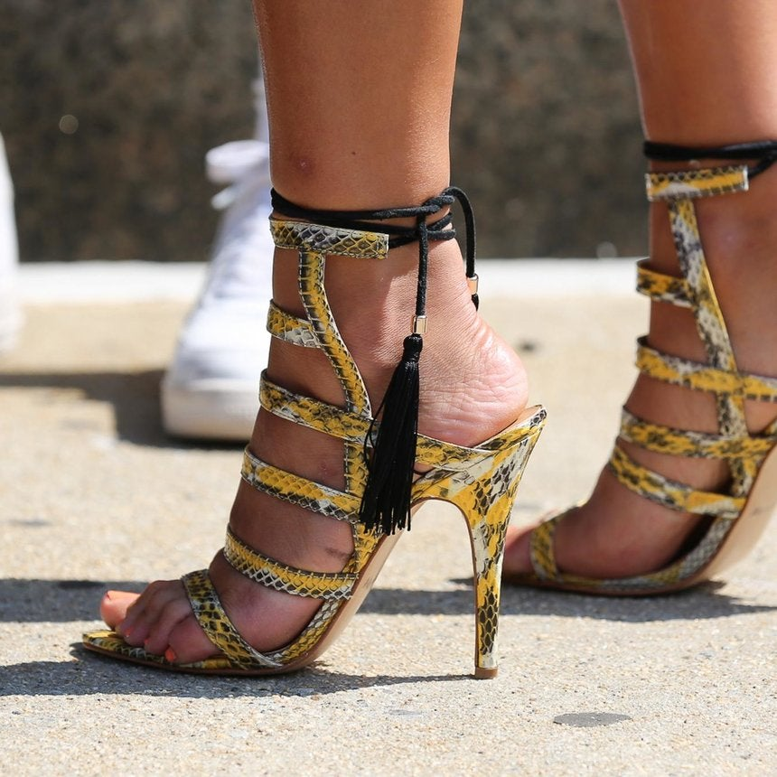 Accessories Street Style: Stepping It Up