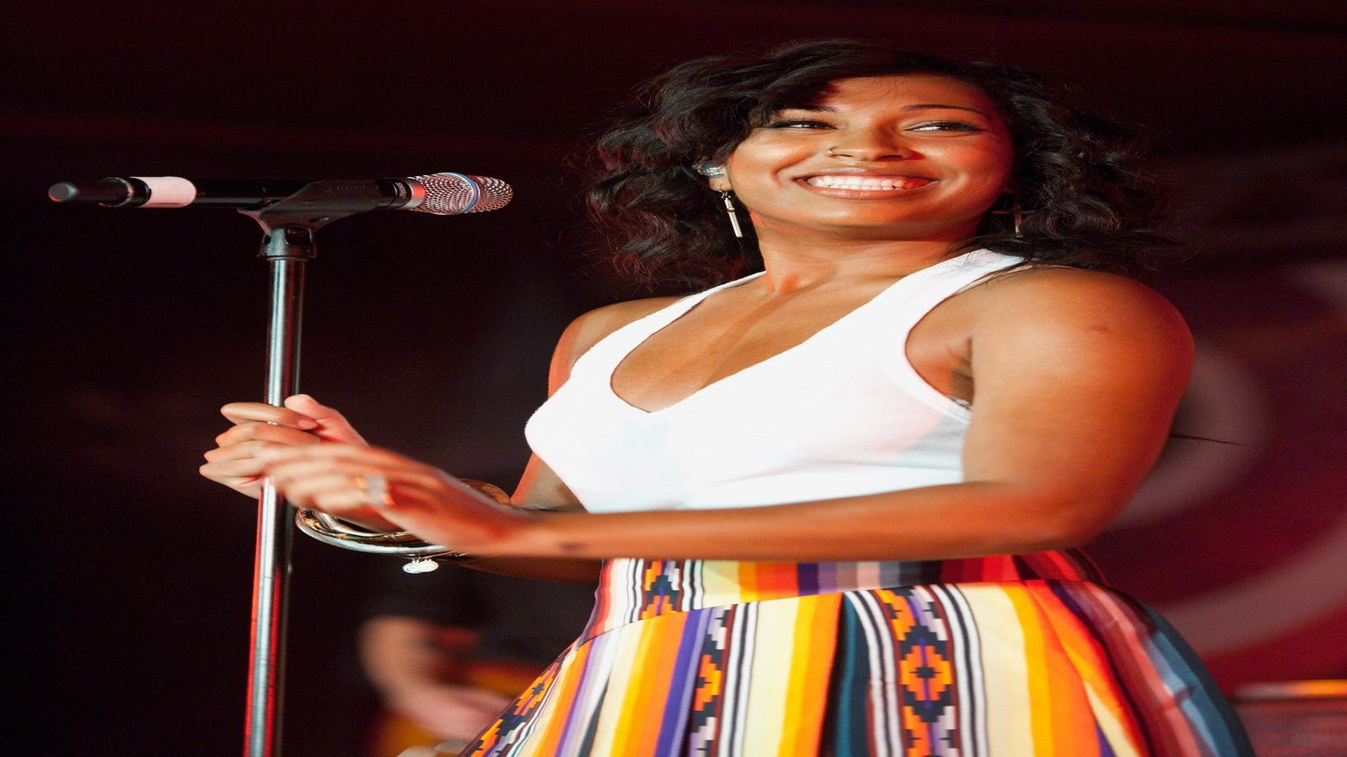 "ESSENCE Fest Alum Melanie Fiona Returns with New Song, ""Bite the Bullet"""