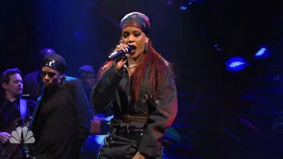Must See: Rihanna Shuts Down Season 40 of 'SNL' With 'BBHMM' Performance