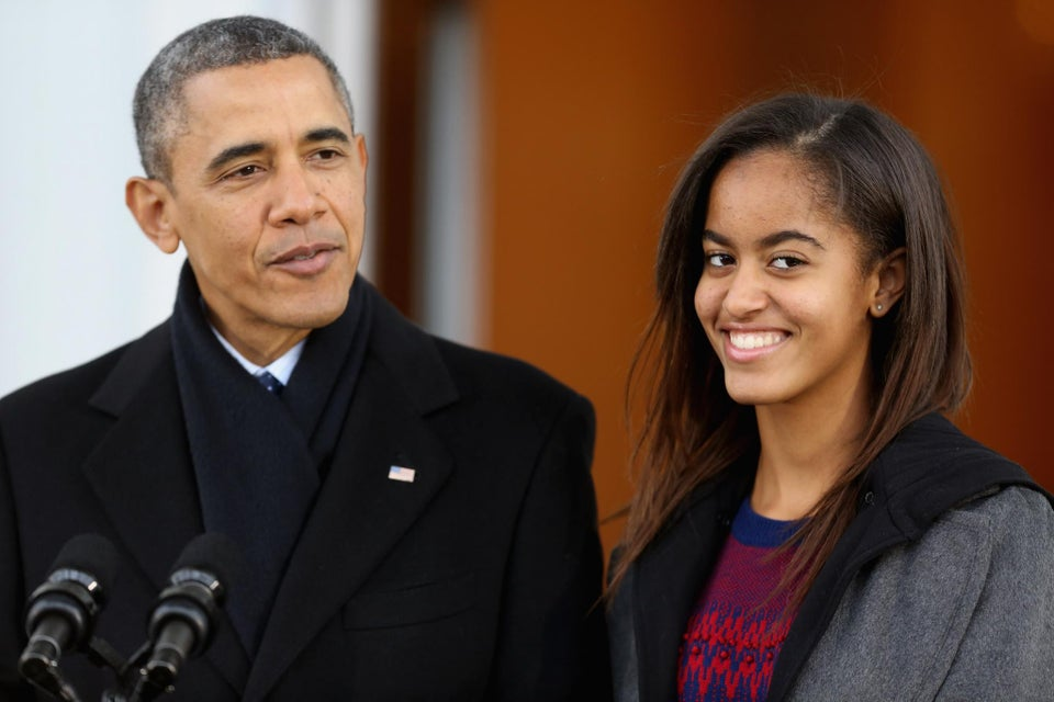 Brown University Apologizes to Malia Obama After Beer Pong Pics Go Viral