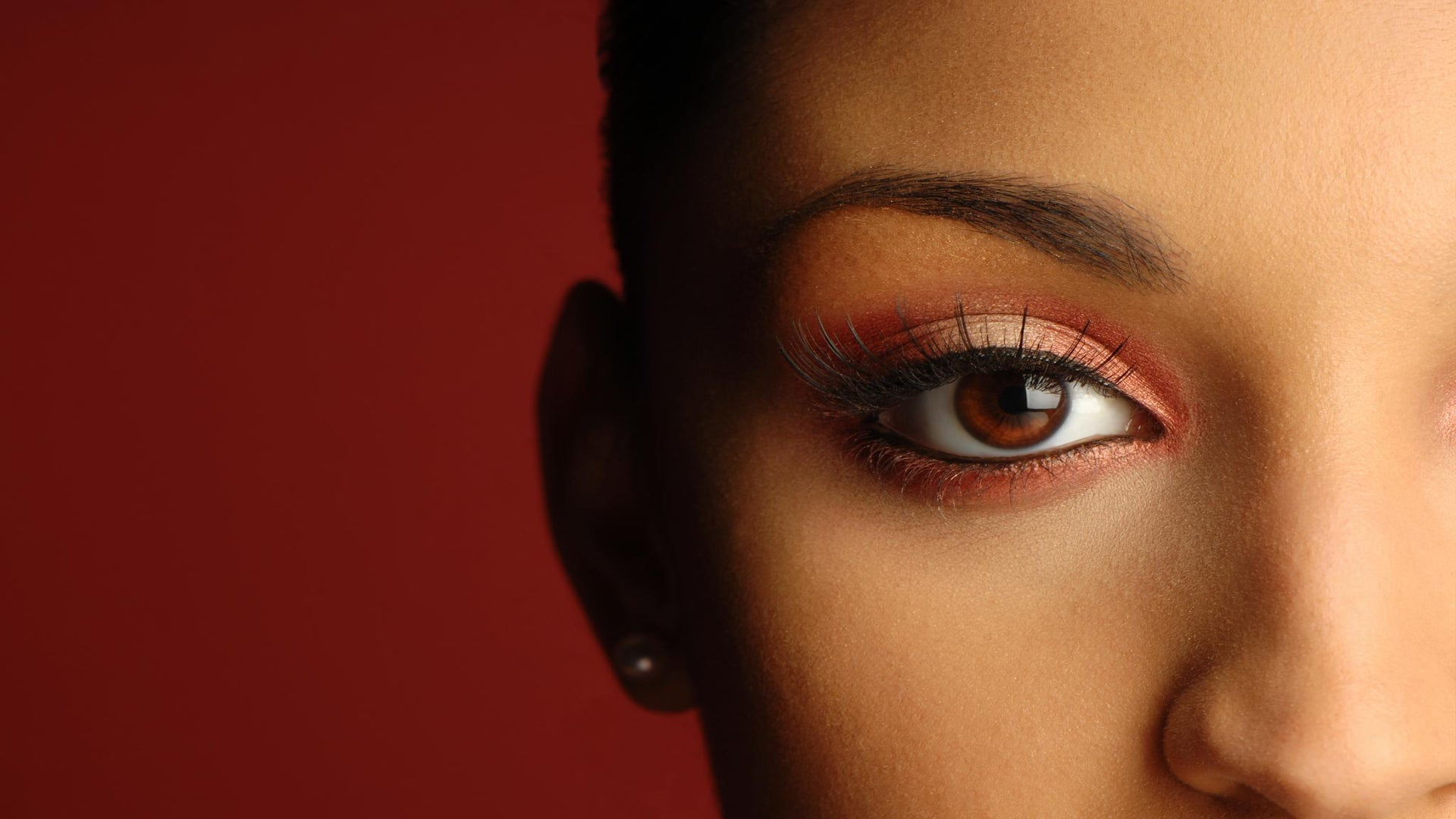 From the Pros: Are Eyelash Extensions Right For Me?