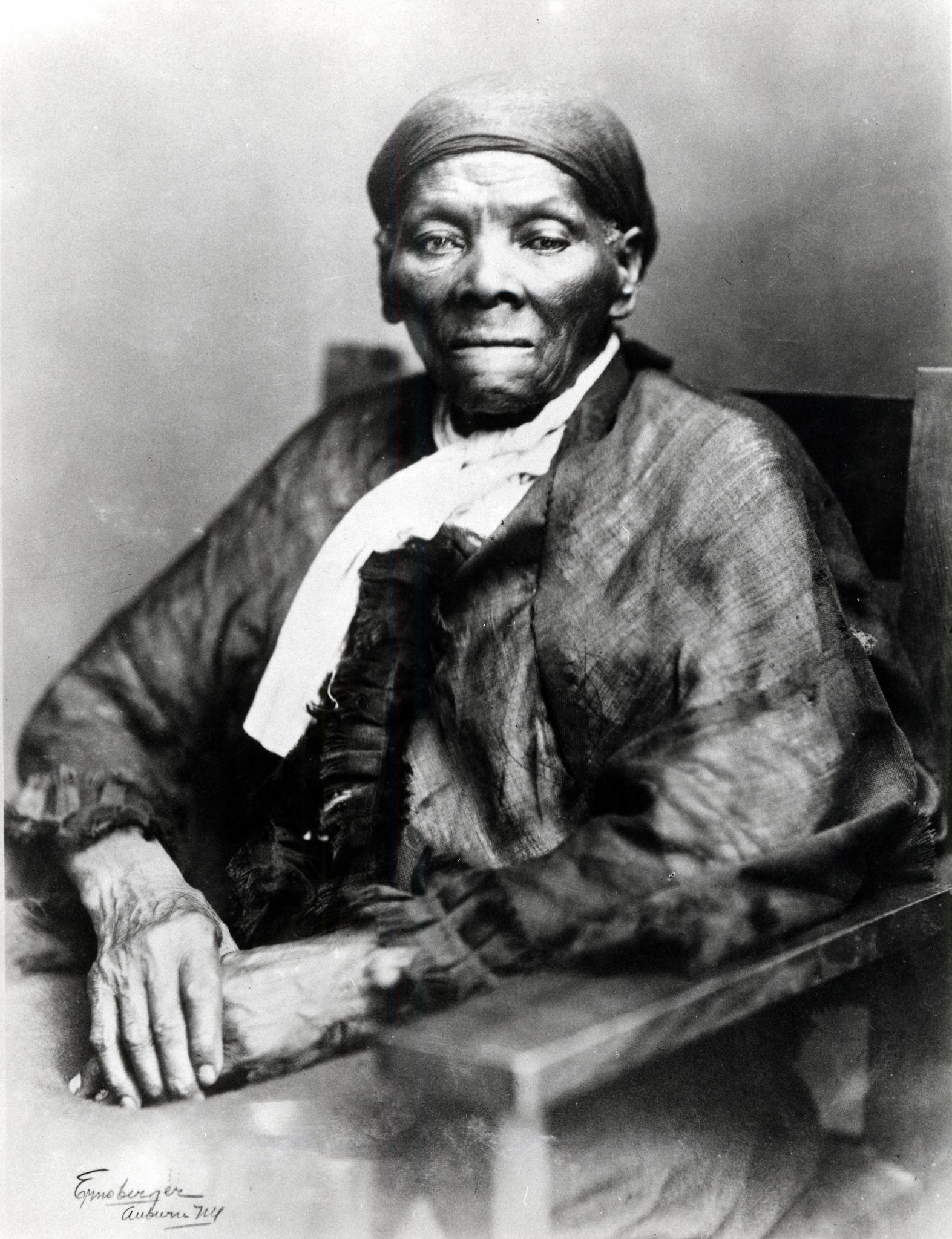 Announcement of Harriet Tubman as Face of $20 Dollar Bill Has Black Twitter Too Lit
