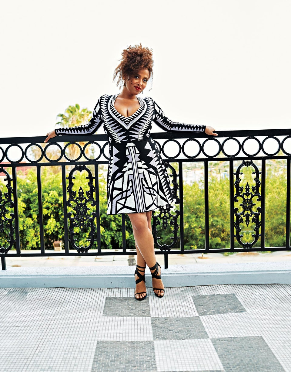 Woman, Interrupted: Lisa Nicole Carson Opens Up About her Struggle With Bipolar Disorder
