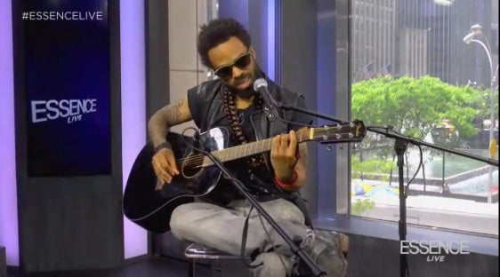 Bilal Delivers Special Father's Day Performance