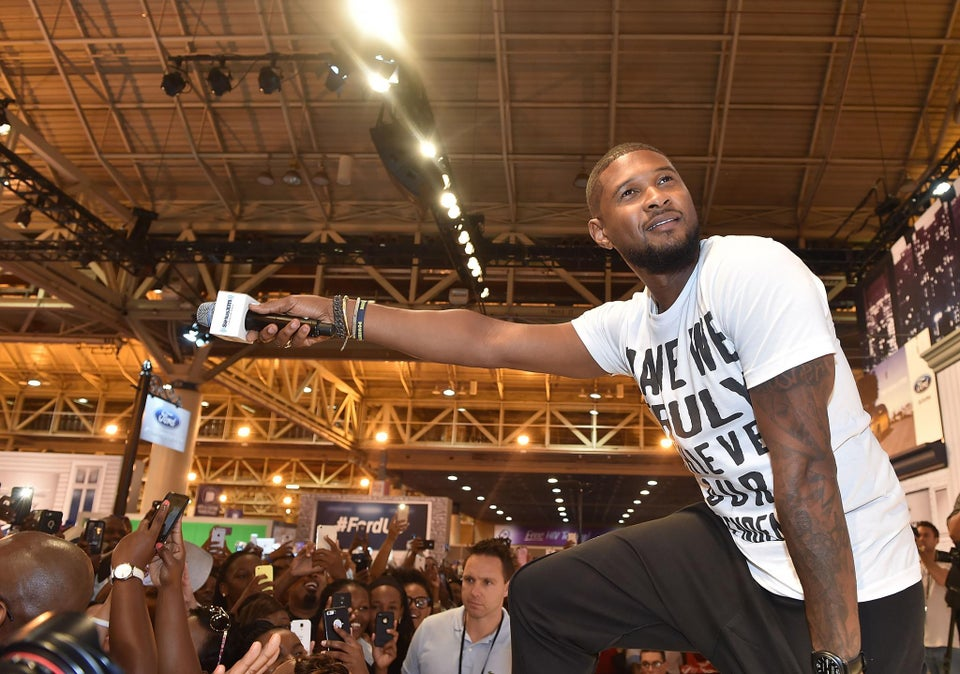 Usher Dismisses Independence Day, Shows Love to Blacks and Juneteenth at Essence Fest