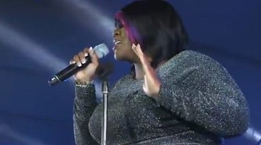 Watch Kelly Price Shut It Down at the Superdome