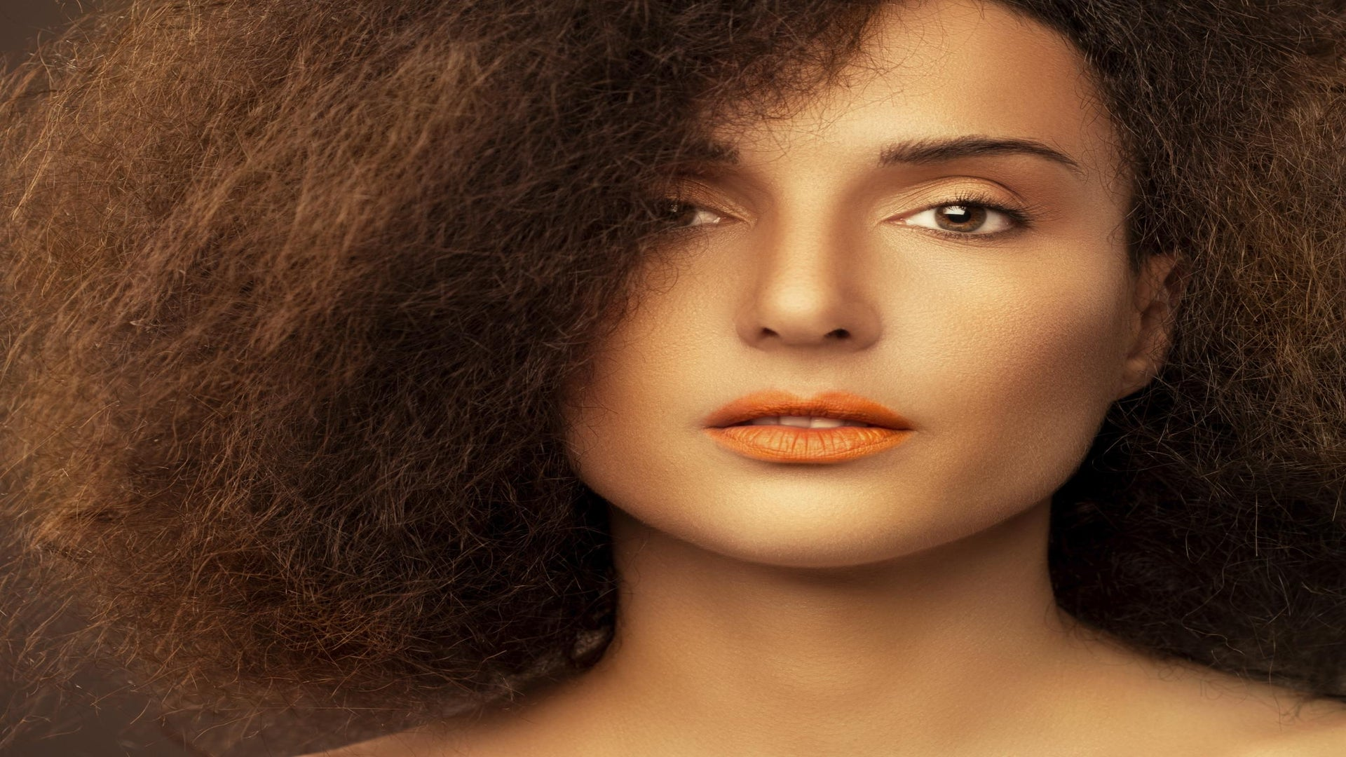 ESSENCE Poll: Do You Think Non-Black Women Wearing Afros is Cultural Appropriation or Appreciation?