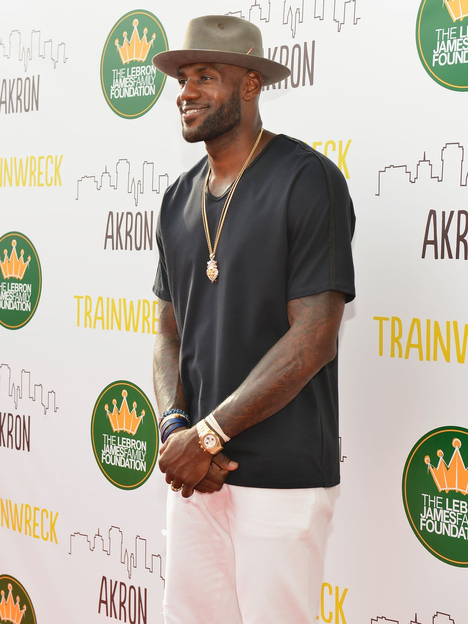 Lebron James Offers Hope to Sick Teen