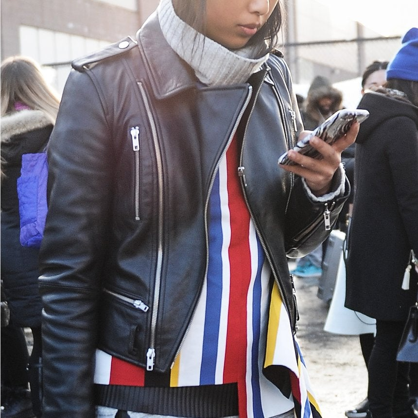 Tap That App: Must Have Style Apps During NYFW
