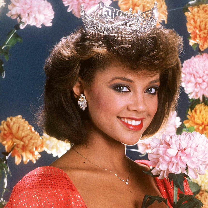 Vanessa Williams Makes her Return to Miss America