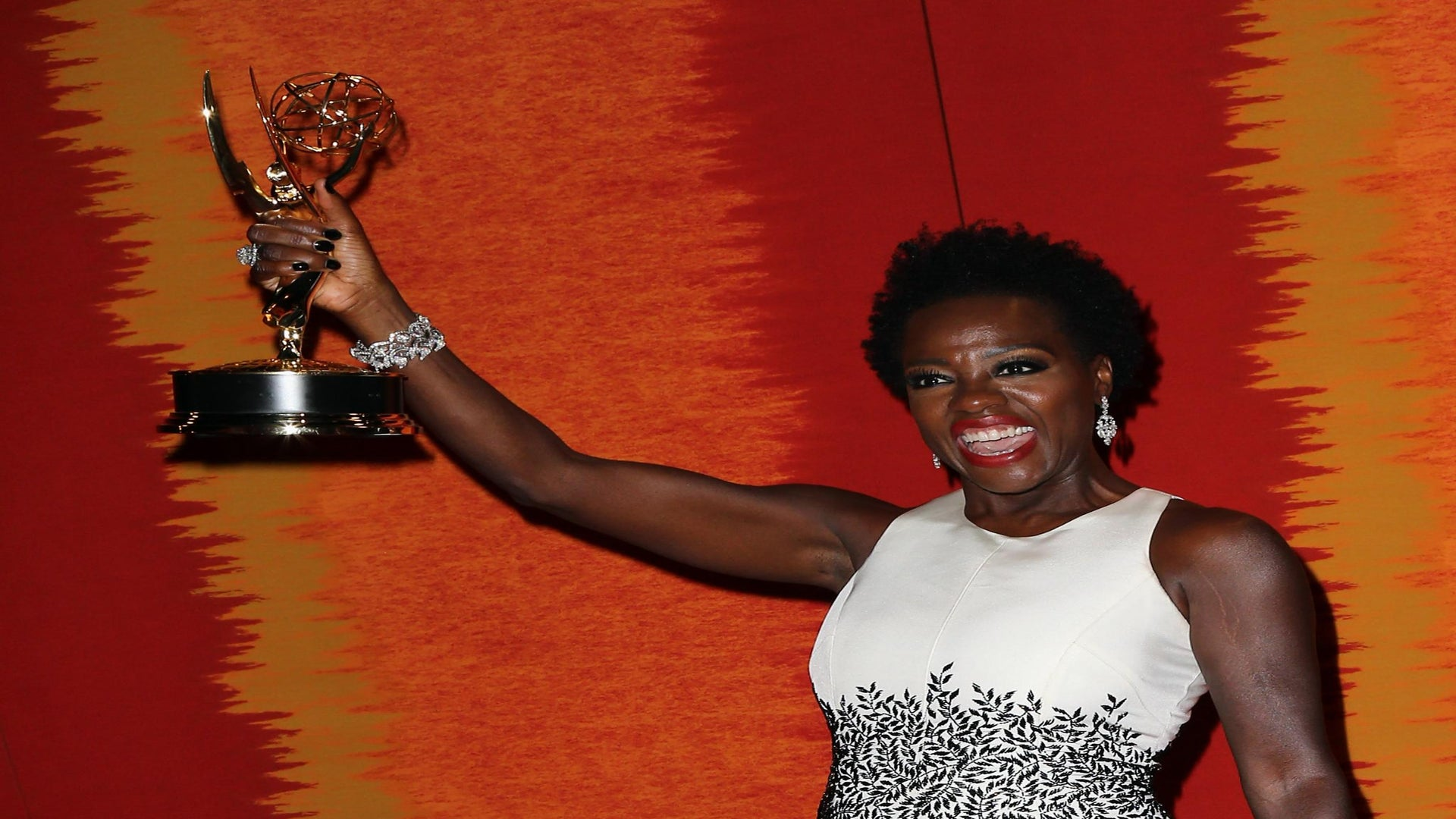 7 Sisterhood Moments at the Emmys That Will Warm Your Heart