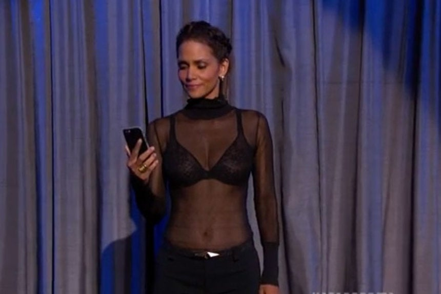 Halle Berry and Dwayne Johnson Read Mean Tweets About ...