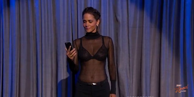 Must See: Halle Berry and Dwayne Johnson Reading Mean Tweets About Themselves Will Brighten Your Day