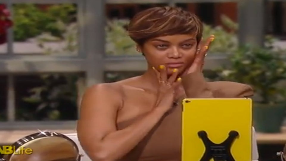 Tyra Banks and Chrissy Teigen Go Makeup-Free on 'FABLife'
