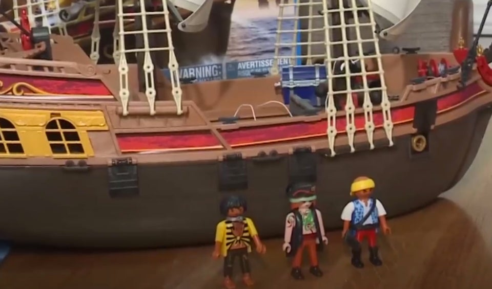 Mother Enraged By Playmobil Toymaker Over Slave Figurine