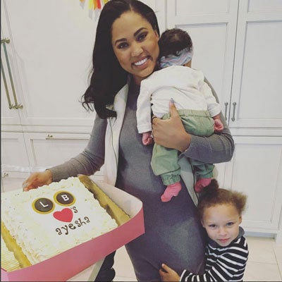 Ayesha Curry Is Writing a Cookbook!