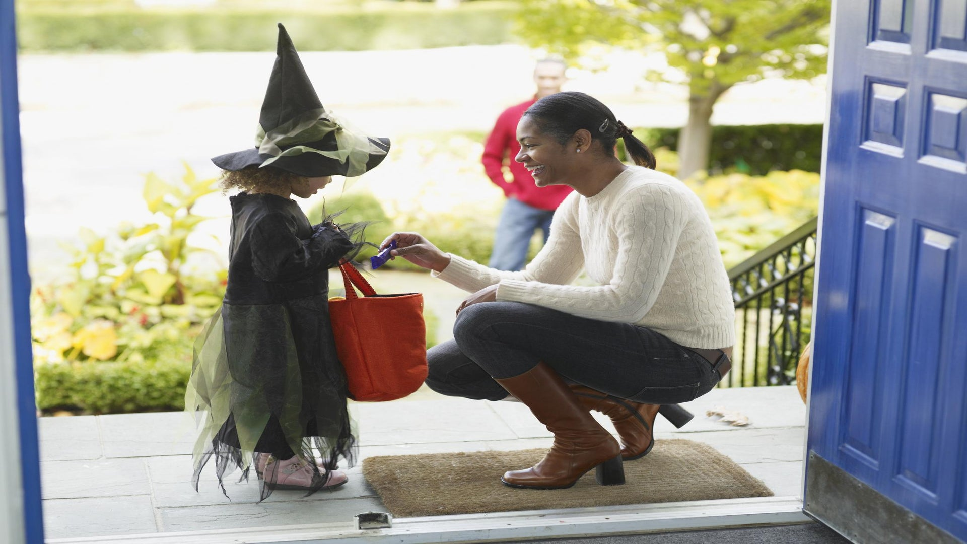 ESSENCE Poll: How Will You Celebrate Halloween?