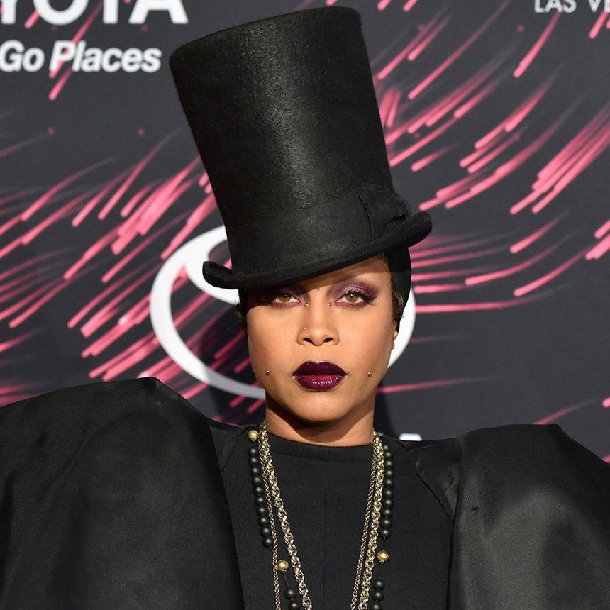 Erykah Badu Dishes on New Music, Hosting the Soul Train Awards