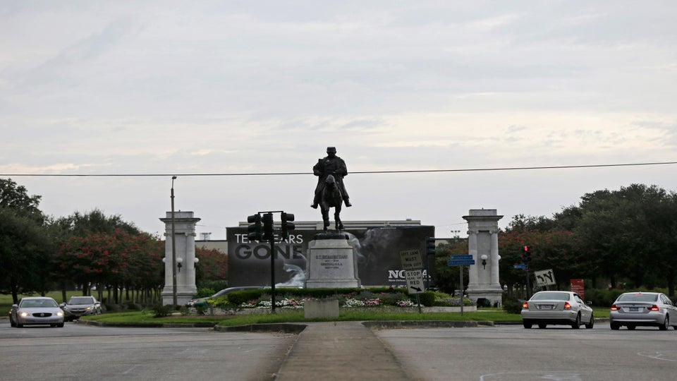 New Orleans Will Remove Confederate Monuments Around the City