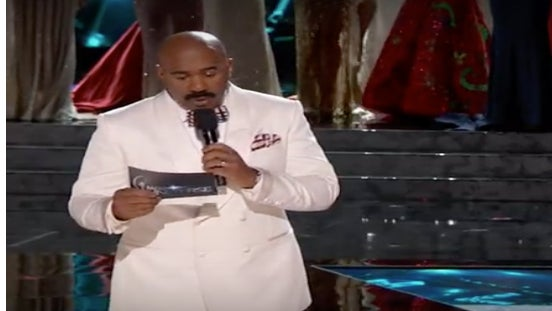 Cringe! Watch Steve Harvey Crown the Wrong Miss Universe Contestant