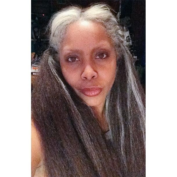 Erykah Gets Real: Tweets Pic of Natural Gray Hair