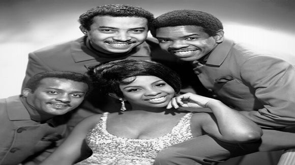 Gladys Knight and the Pips Singer Dies at Age 74