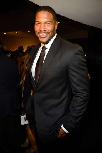 Michael Strahan to Host Reboot of 1973 Game Show '$100,000 Pyramid'
