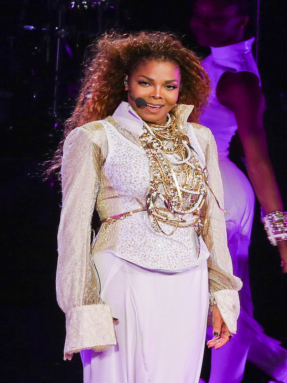 Janet Jackson Reportedly Undergoing Surgery for Throat Cancer, Postpones 'Unbreakable' World Tour