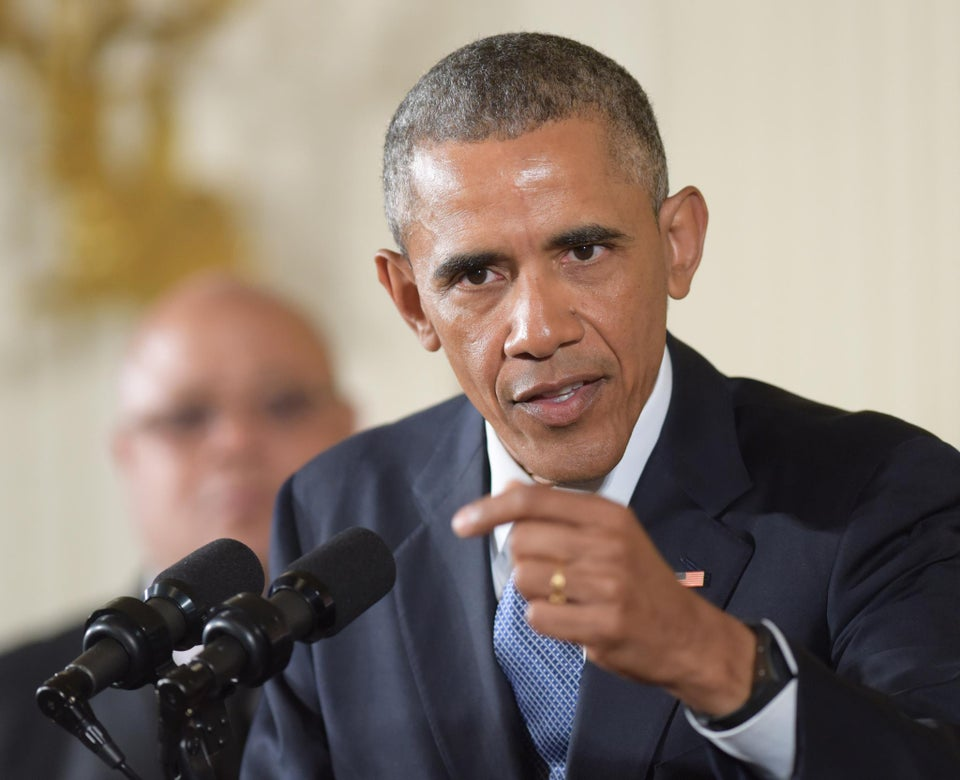 President Obama Urges Democratic Donors to Back Hillary Clinton