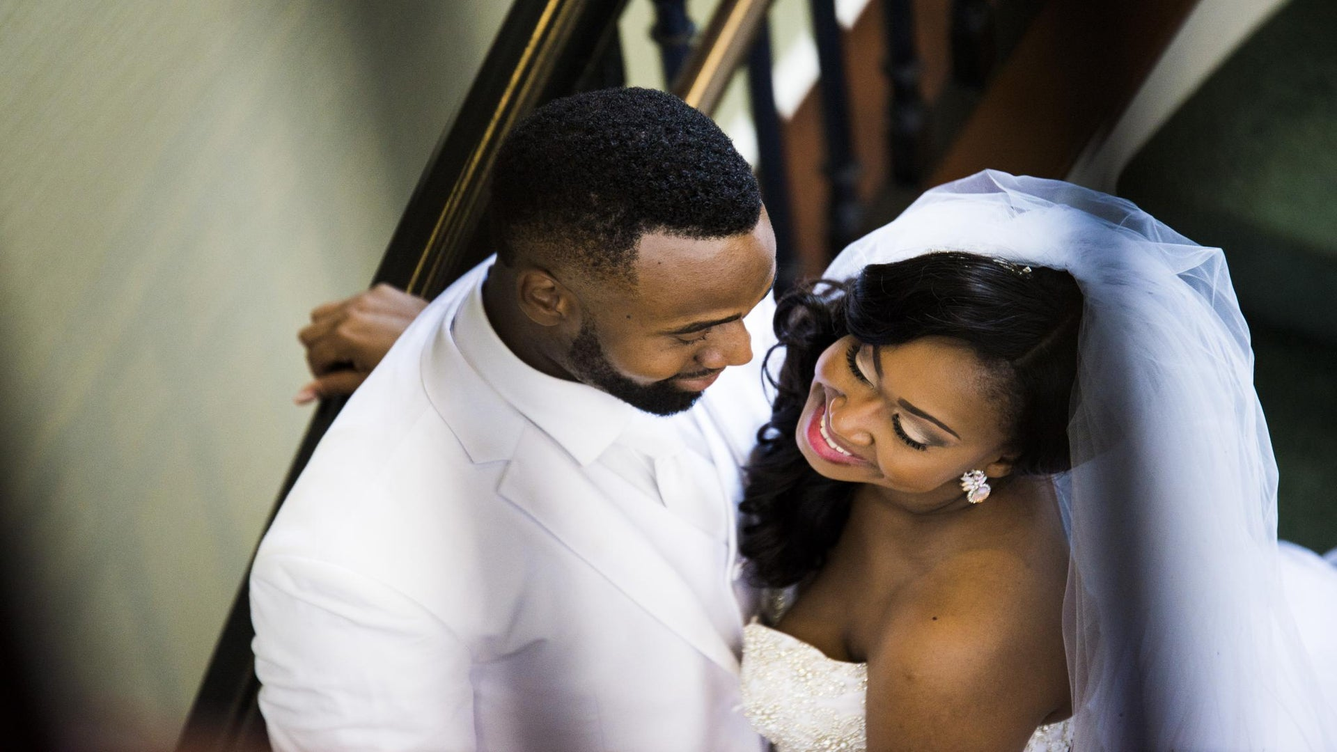 Bridal Bliss: See Childhood Friends Eghosa and Eyituoyo's Old Hollywood Wedding