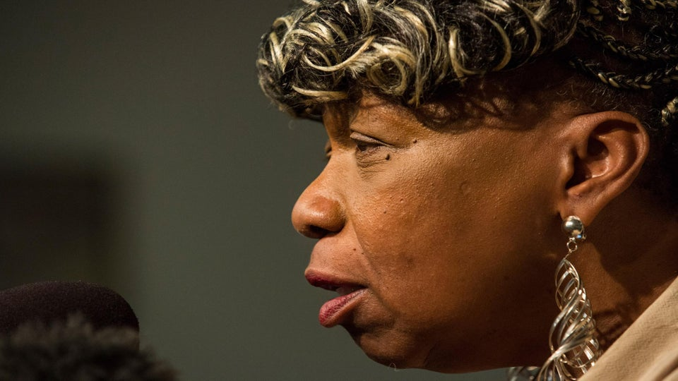 Eric Garner's Mother Voices Support for Hillary Clinton