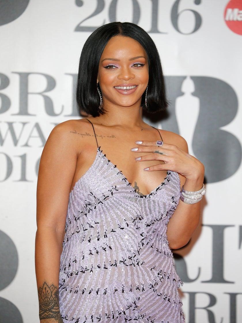 Rihanna Inks Multimillion Dollar Deal to Create a Makeup Line