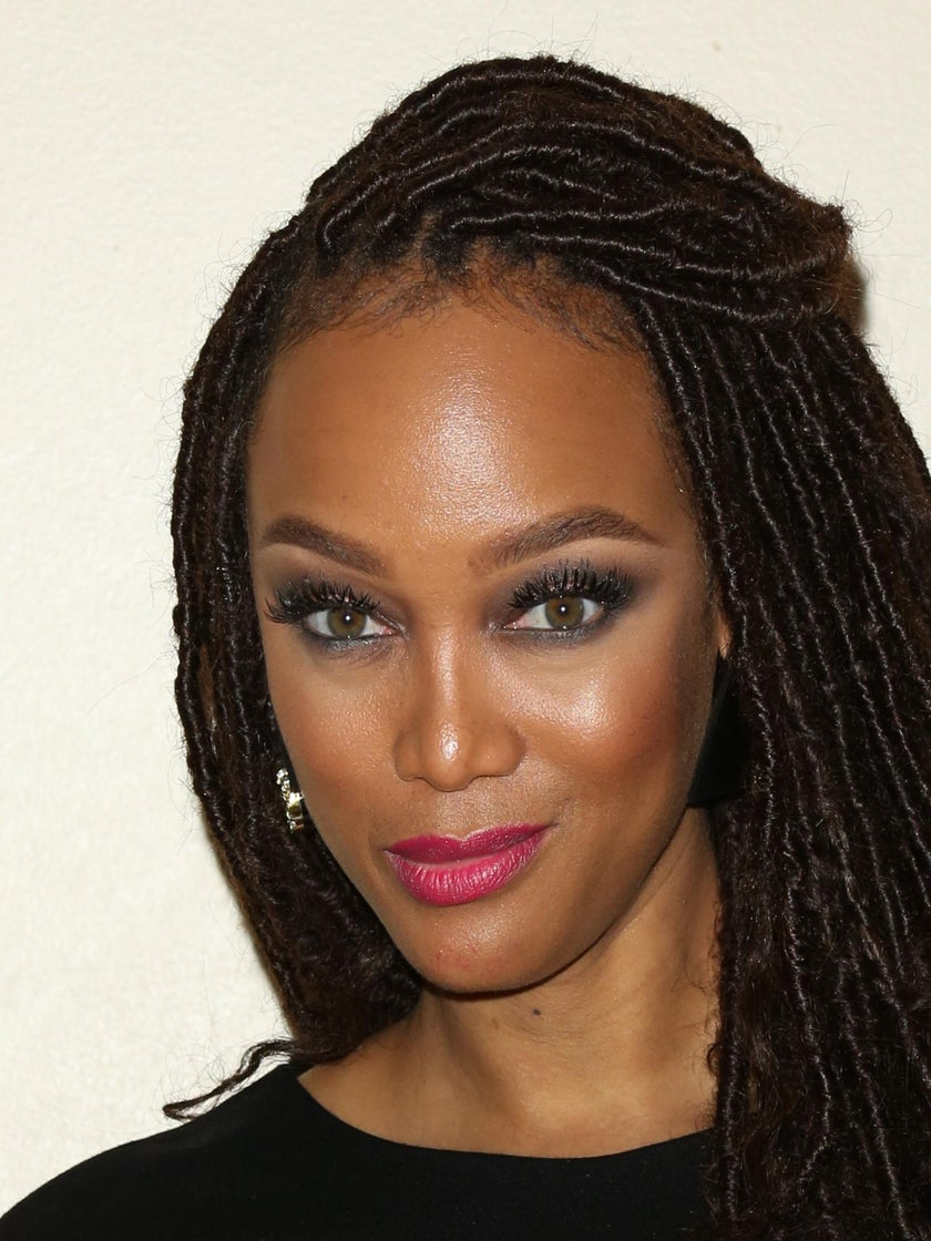 Here's How To Nail Tyra Banks' Glam Beauty Look