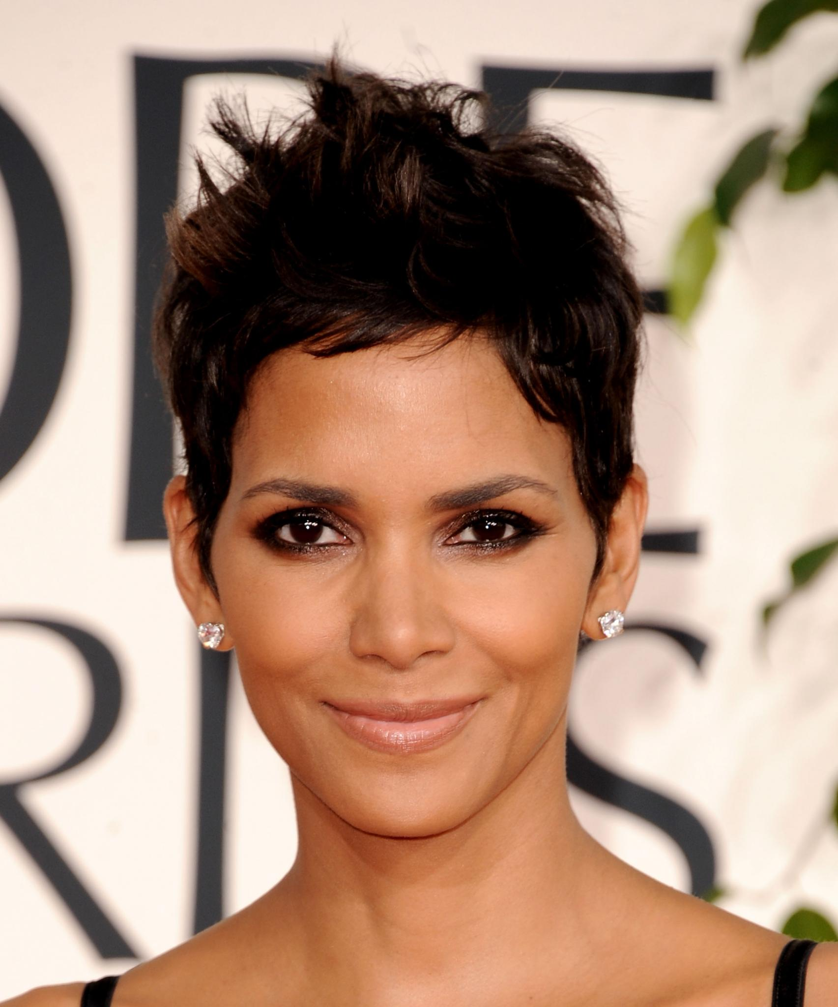 Halle Berry Just Joined Twitter and Instagram (and Pinterest!)