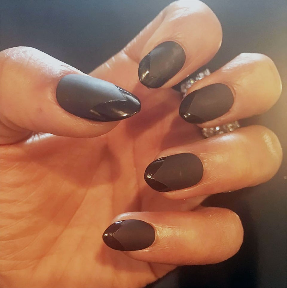 We're Obsessed: Kerry Washington's All Black Dual-Texture Oscar Manicure