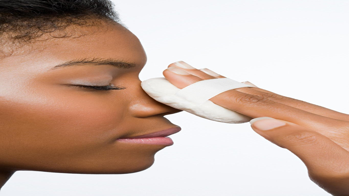 Could Glue or Toothpaste Be Your Answer To Blackhead-free Skin?