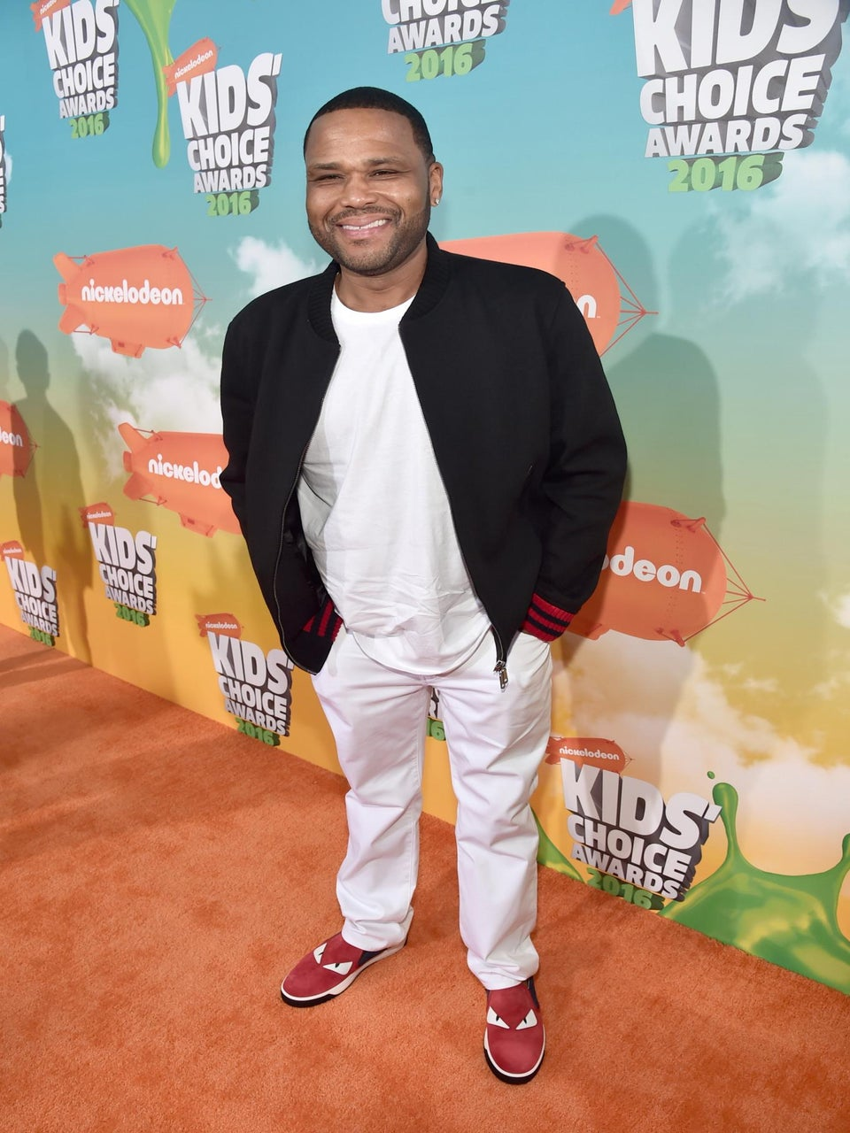 VH1 Will Celebrate Mother's Day With a Special Event Hosted by Anthony Anderson