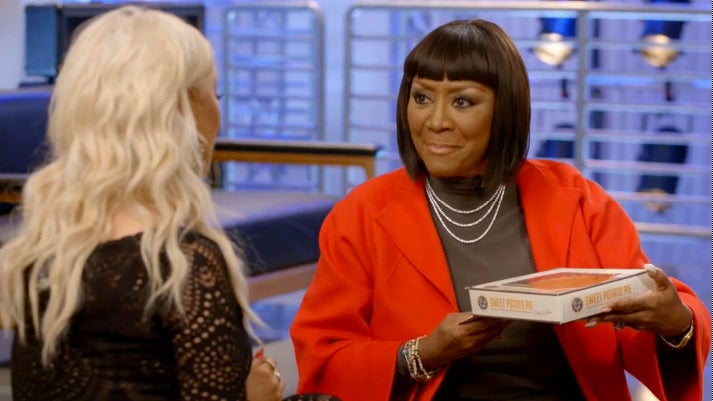 Patti LaBelle Guest Stars on 'The Voice,' Serves 'Patti Pies'