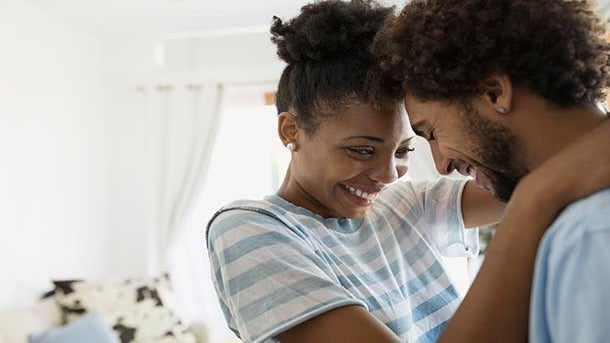 No Sex. No Titles: Why I'm Dating In the 'Middle Ground'